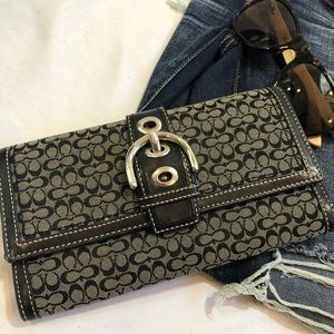 Coach Signature Wallet Soho Buckle trifold A25